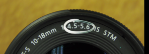 variable aperture lense 4.5 to 5.6